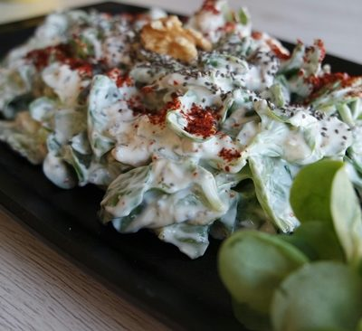 chia tohumlu yoğurtlu semizotu