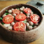 güveçte domatesli köfte