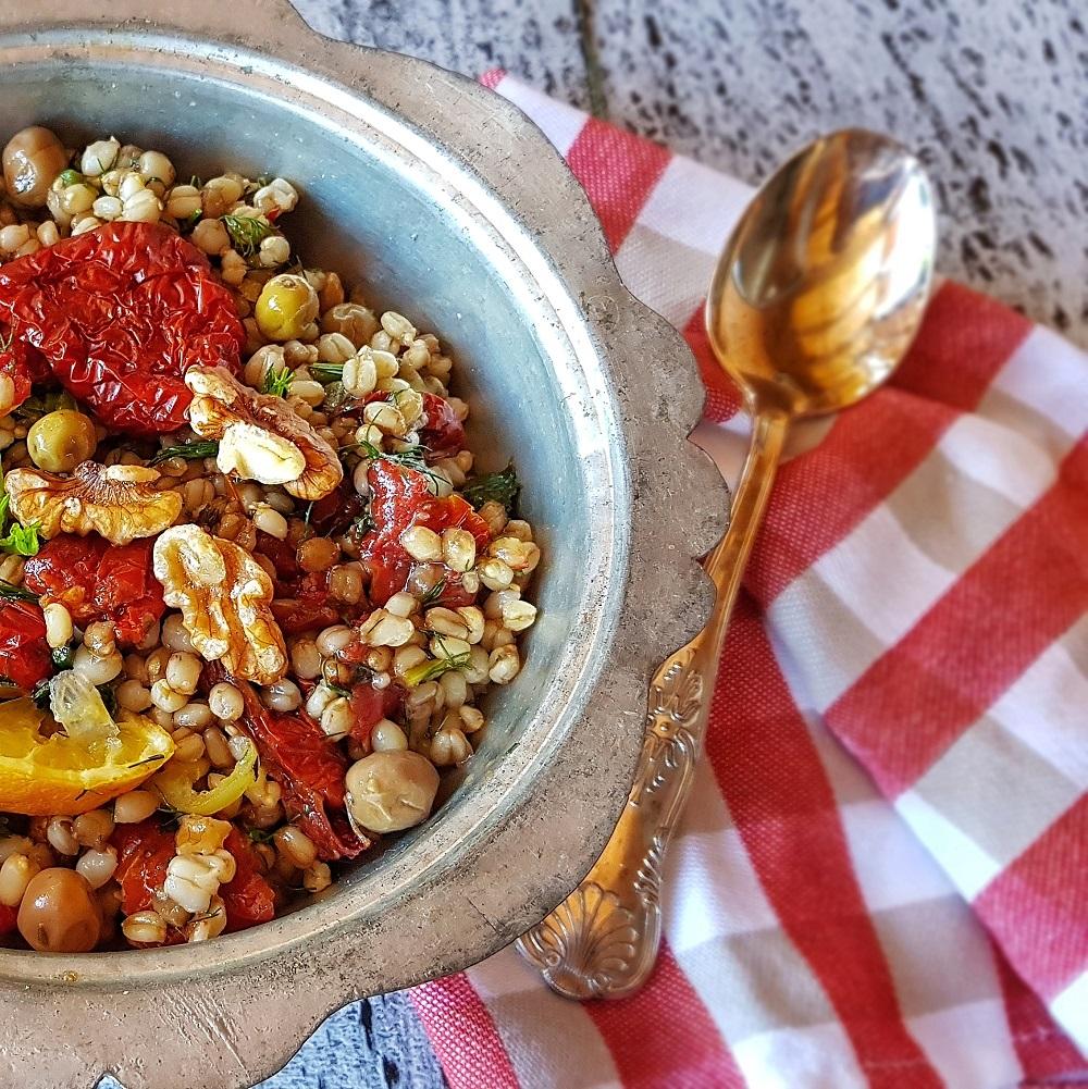 Kurutulmuş Domatesli Buğday Salatası