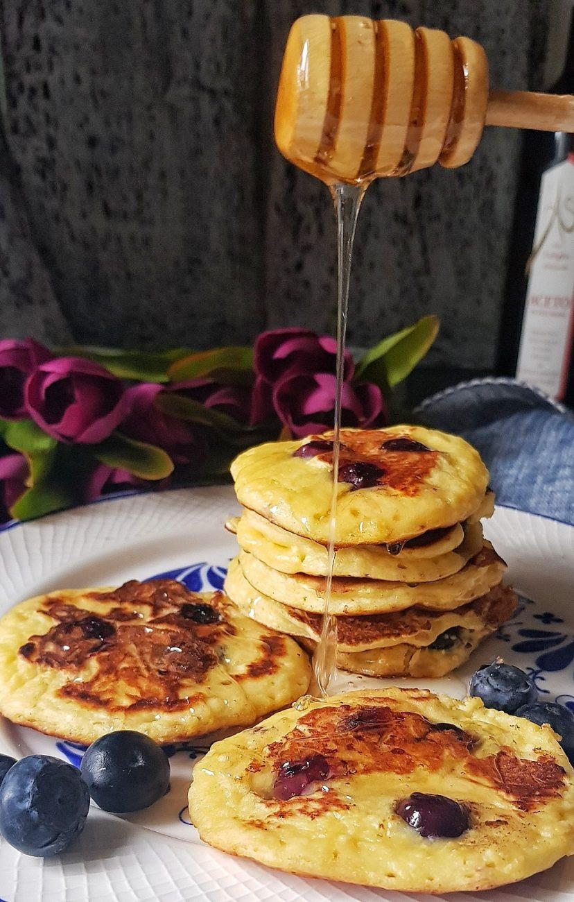 Lor Peynirli Yaban Mersinli Pankek