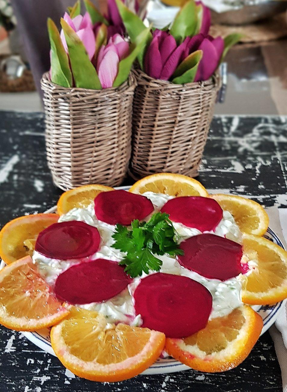 Pancarlı Yoğurtlu Kabak Salatası